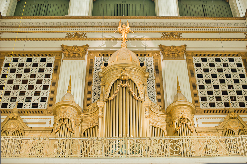 wanamaker organ main pipes