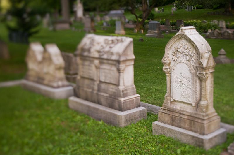 tilt graves