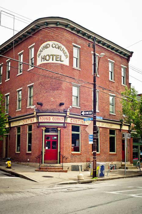 round corner hotel